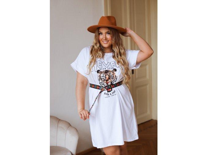 Tričkové šaty s opaskom v bielej