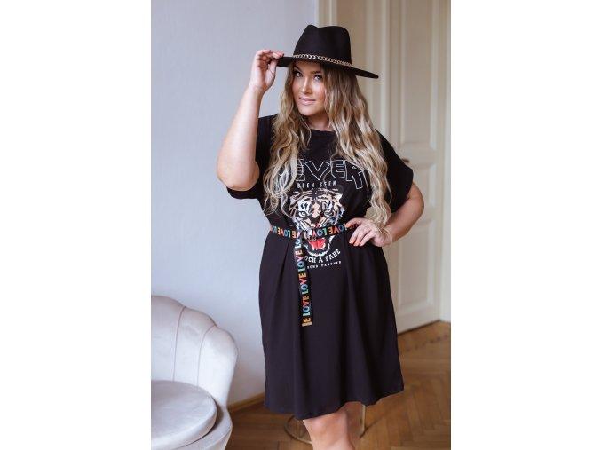 Tričkové šaty s opaskom v čiernej