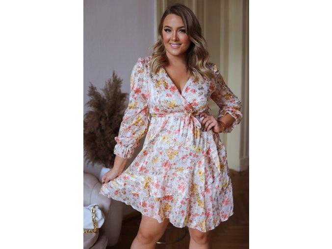 Krátke kvetinové šaty v krémovej