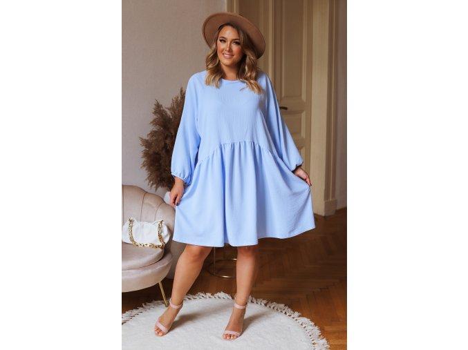 Krátke šaty nad kolená s dlhým rukávom v svetlo modrej