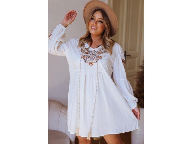 Krátke šaty s vyšívaným vzorom - biela