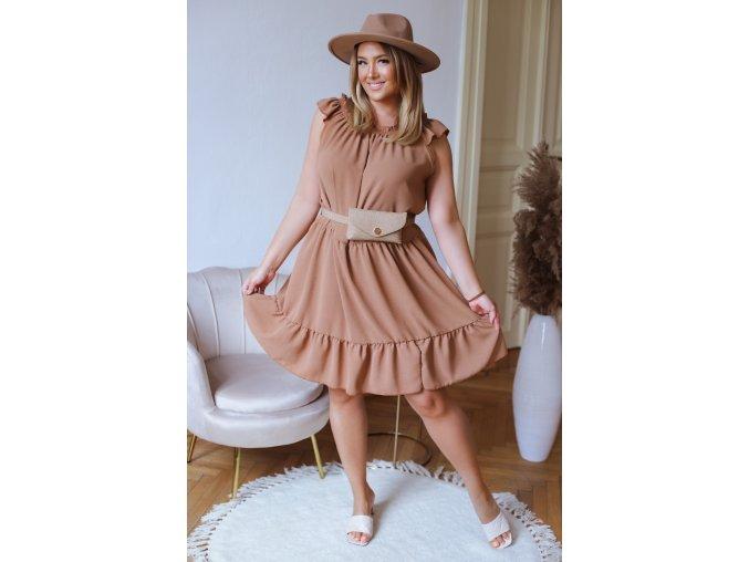 Voľné prešívané šaty v hnedej