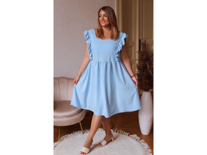 Svetlo modré šaty s krátkym rukávom