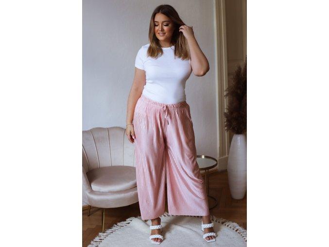 Široké plisované nohavice s odleskom - ružová