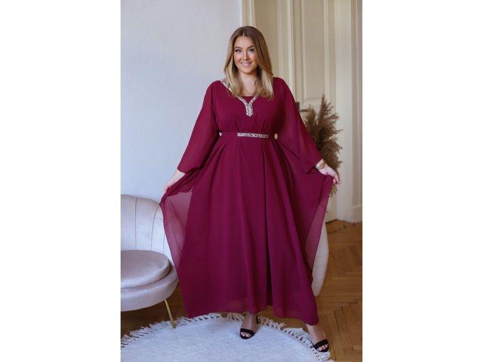 Dlhé šaty s trblietavým výstrihom a opaskom - bordová
