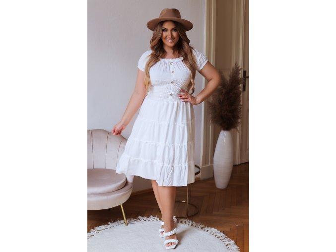 Šaty s odhalenými ramenami v bielej