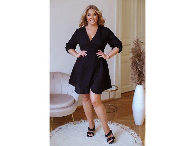 Čierne šaty s efektom zavinovania
