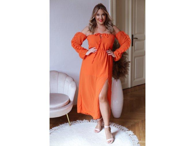 Dlhé šaty s odhalenými ramenami a rázporkom - oranžová