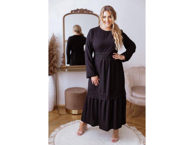 Dlhé elegantné šaty s čipkovaným opaskom v čiernej