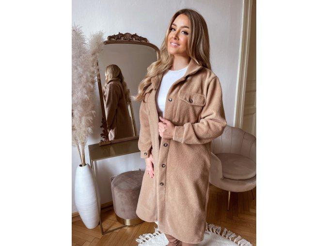 Dlhý kabát v hnedej farbe