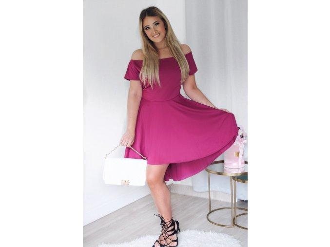 Asymetrické koktejlové šaty vo fialovej