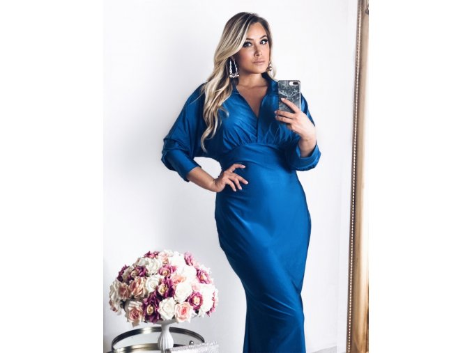 Dlhé modré šaty s golierom