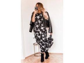 Dlhé kvetinové šaty v čiernej