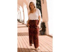 Červená sukňa so vzorom