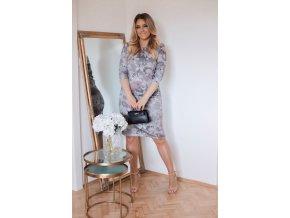 Svetlo-sivé kvetinové šaty