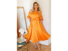 Pomarančové šaty s opaskom
