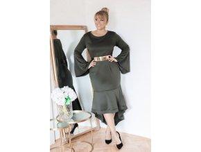 Dámske šaty pod kolená s rozšírenou sukňou v zelenej