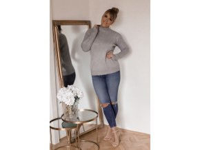 Sivý sveter s jemným vzorom