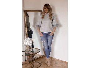 Sivý sveter s kožušinovými rukávmi