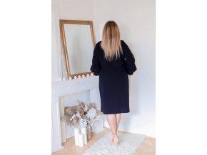 Tmavo-modré šaty s volánmi na rukávoch