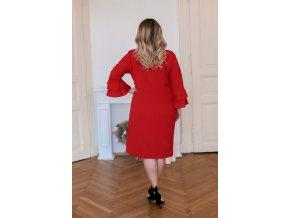 Červené šaty s volánmi na rukávoch