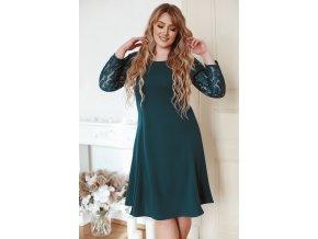 Zelené šaty áčkového strihu s čipkou na rukávoch