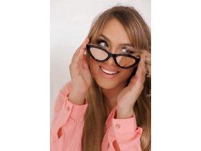 Čierne cateye okuliare s ružovými sklami