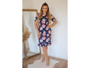 Tmavo-modré šaty s červenými kvetinami a volánom na sukni