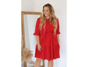 Krátke šaty s prešívanou sukňou a opaskom - červená