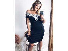 Čierne šaty s bielou krajkou