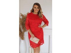Červené čipkované šaty