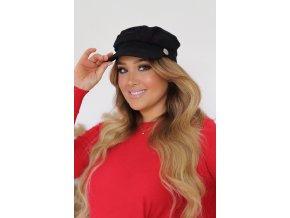 Trendy čierna čiapka so šiltom