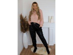 Voľné čierne koženkové nohavice so zlatou prackou