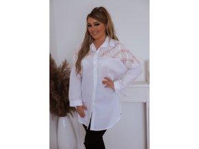 Biela voľná košeľa s ružovým vzorom