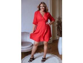 Červené šaty s efektom zavinovania