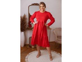 Červené prešívané šaty s dlhým rukávom