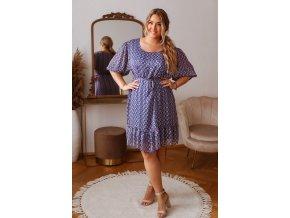 Modré vzorované šaty s opaskom