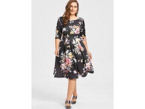 Čierne šaty s kvetinovým vzorom