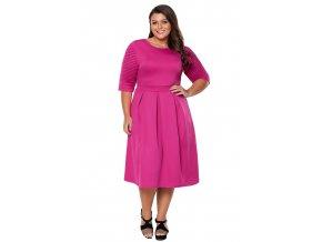 Ružové šaty s krátkym rukávom pod kolená