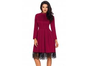 Bordové šaty s dlhým rukávom a krajkou na sukni