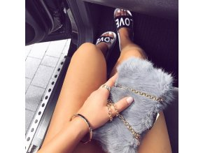 Sivá kabelka z umelej kožušiny