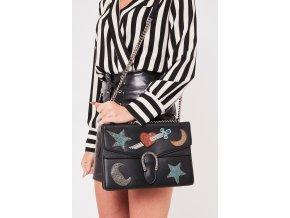 Čierna kabelka so vzorom Vogue