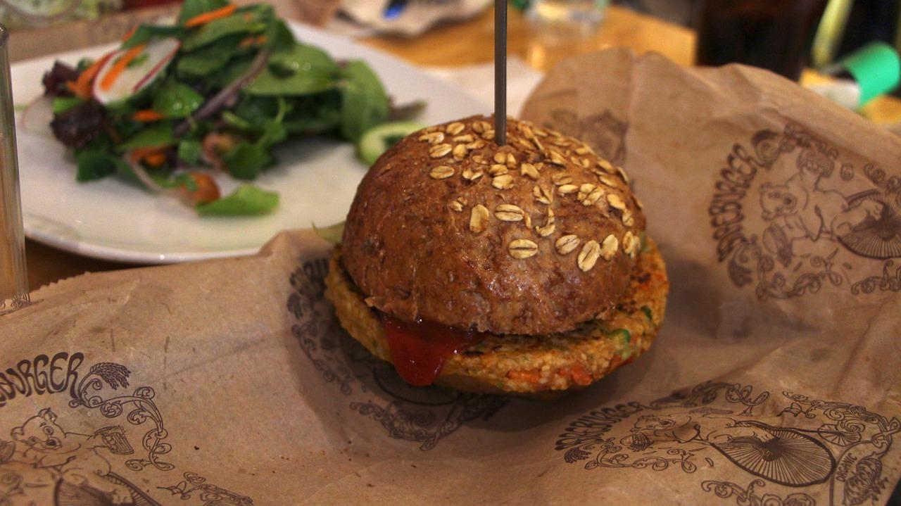 Buďte hvězdou grilovačky s vegetariánským burgerem