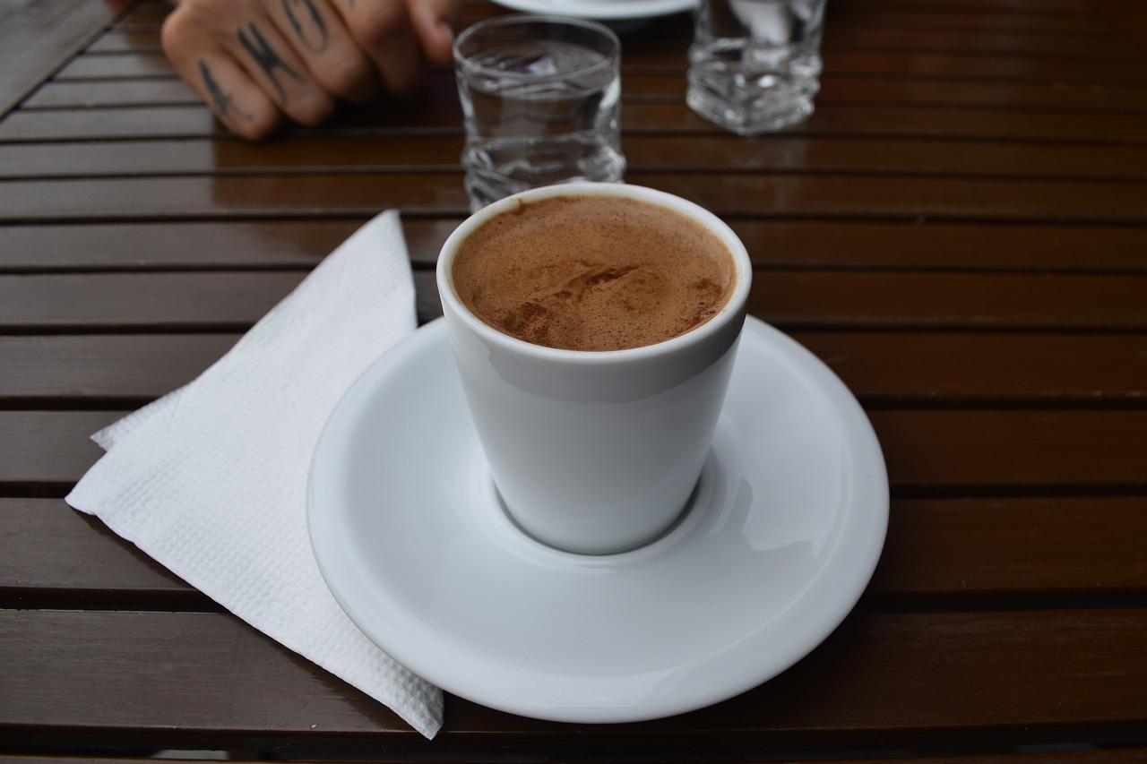 Turecká káva má bohatou historii. Jak připravit kávu lahodné chuti?
