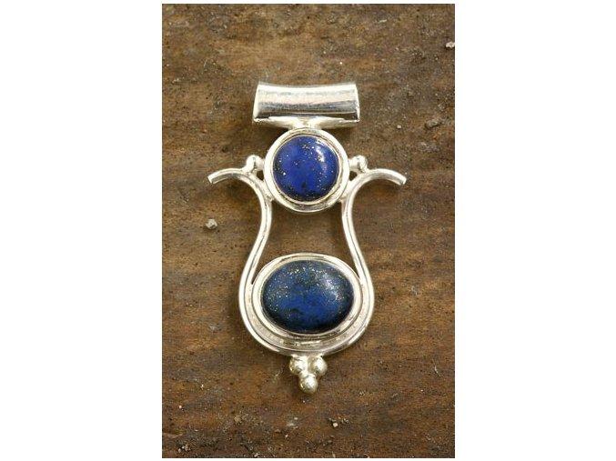 vyr 486Isis privesek stribrny s lapis lazuli