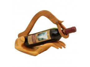 02 F1C9025 ruka na víno 1
