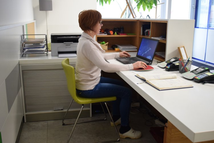 Ako si nastaviť v práci stoličku