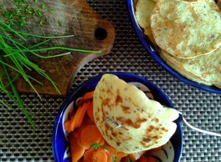 Balkánské sýrové lívanečky s dušenou mrkví