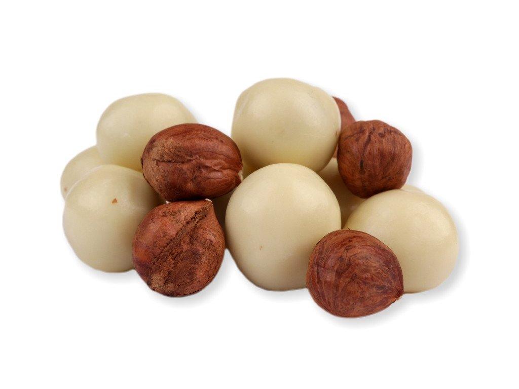lískové ořechy v jogurtu