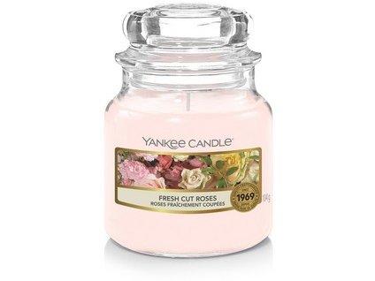 Yankee Candle Fresh Cut Roses vonná svíčka 104g